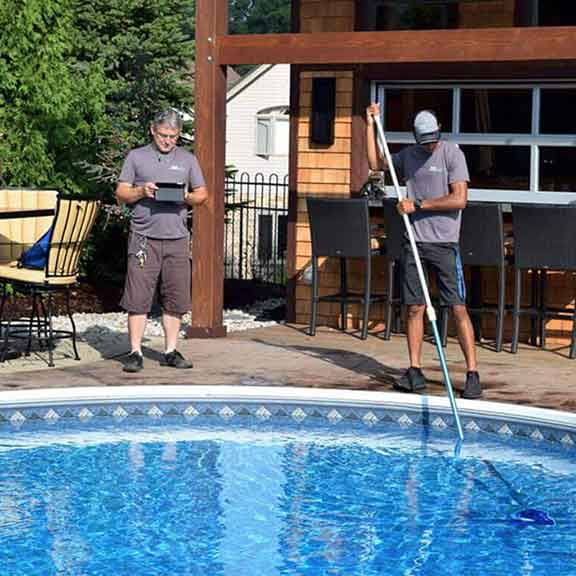 hand davis at pool service call